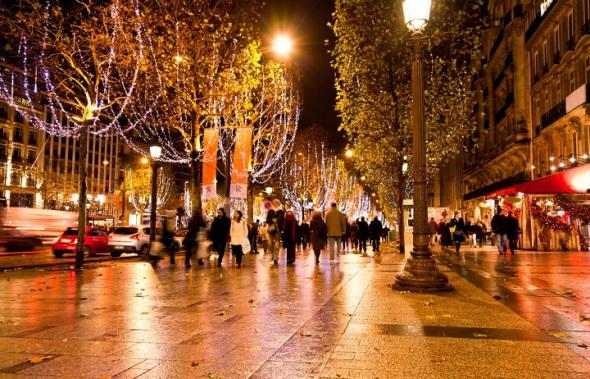 Праздничные улицы Парижа