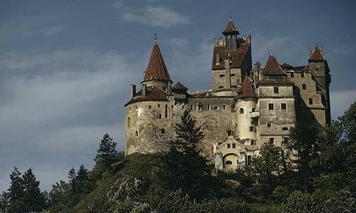 Замок-Дракулы-в-центре-Одессы
