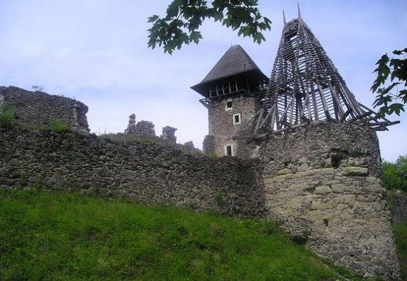 Замок-близ-села-Каменица-Закарпатской-области