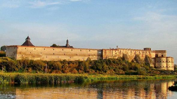 Меджибожская-крепость