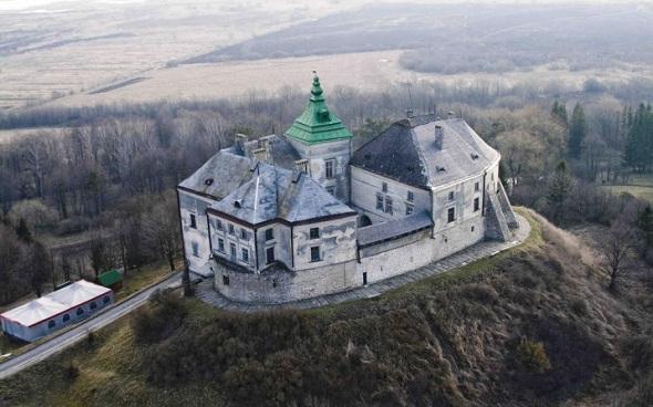 Олеский-замок
