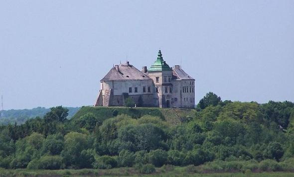 Олесский-замок-—-одно-из-старейших-сооружений-в-Галиции