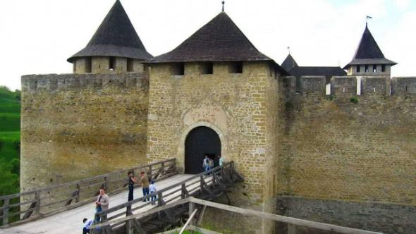Хотинская-крепость