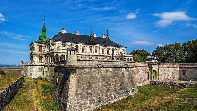 Замки Украины (21 фото)